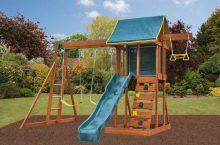 Nyt on oikea aika hankkia trampoliini, leikkimökki, pihakeinu, liukumäki tai leikkipaikka.